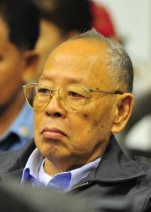 De Røde Khmerers udenrigsminister, Ieng Sary, var medansvarlig for op mod 2 millioner menneskers død. Desværre nåede at kun at tilbringe fem år bag tremmer, før han døde af alderdom.